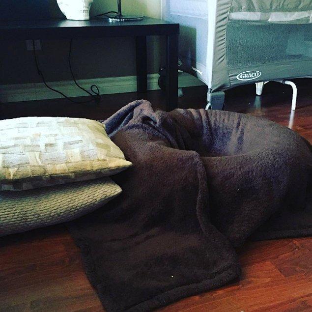 15. Simidi battaniyelerle kaplayarak yüzüstü yatmak için fazlasıyla konforlu bir alan yaratabilirsiniz kendinize.