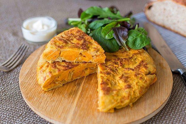 8. Tatlı patatesli omlet olur mu? Hem de bal gibi olur.