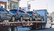 Uber'in Yarı Sürücüsüz Otomobilleri, Yarı Sürücüsüz Bir Tırın Arkasında Kaliforniya'yı Terk Ediyor