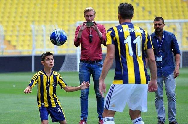 Shaqueel, Fenerbahçe'nin alt yapısında forma giyiyor.