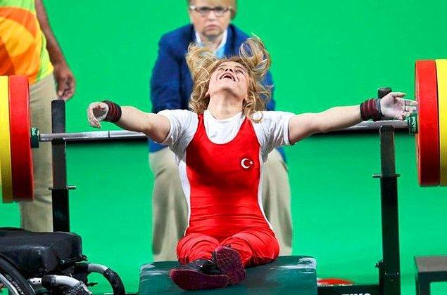 13. 8 Eylül: Rio 2016 Paralimpik Oyunları'nda milli halterci Nazmiye Muratlı 104 kg kaldırarak altın madalya kazandı ve dünya rekoru kırdı.