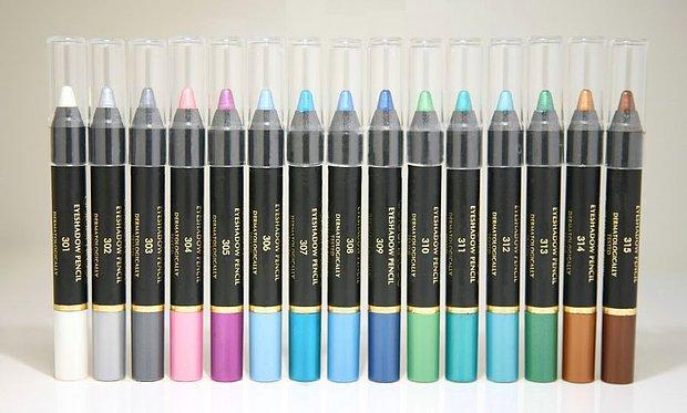 Renkli göz kalemleri