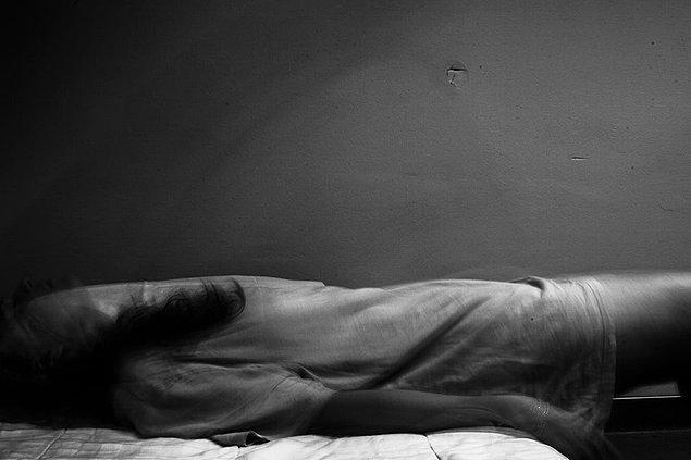 13. Aynı zamanda, bir psikiyatri hastanesinin kapalı kapılarının ardında ne olduğunu bilmeyen insanların, oradaki hastaların taşıdığı korku ve acıyı görmelerini de istiyorum.