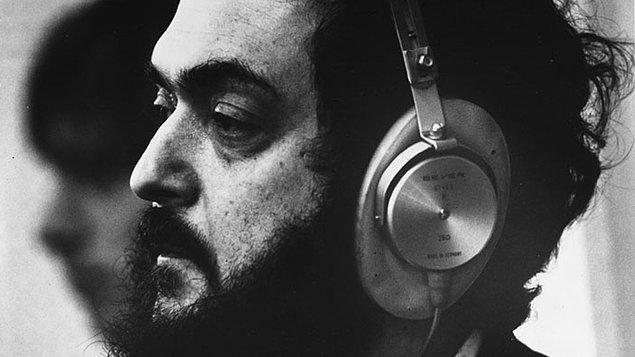 15. 2001: Bir Uzay Macerası (1968) filminin çekimleri sırasında sakal bırakmaya karar verdi ve ölene kadar (1999) hiç sakalsız gezmedi.