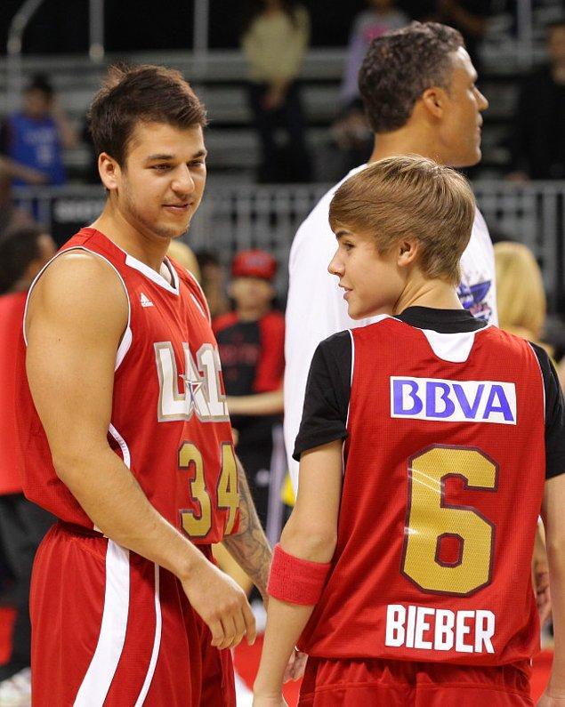 6. Rob Kardashian ve aşırı ergen Justin Bieber basketbol oynarken.