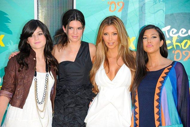 12. Kim Kardashian sarışın, Kylie ve Kendall Jenner ise hala ergenlik çağında.
