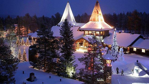 11. Finlandiya'da Noel Baba'nın bir köyü var.