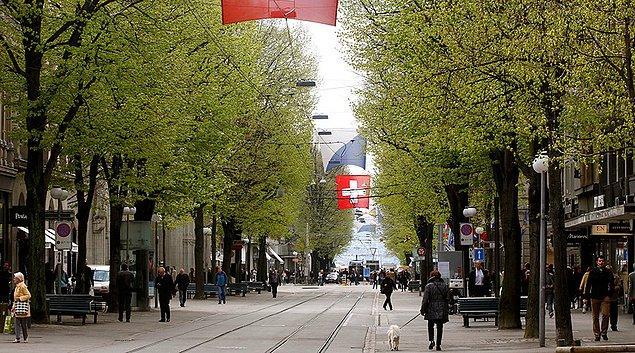 Temel gelir sistemi İsviçre'de de referandumla oylanmıştı; ancak referandumdan hayır oyu çıkmıştı.