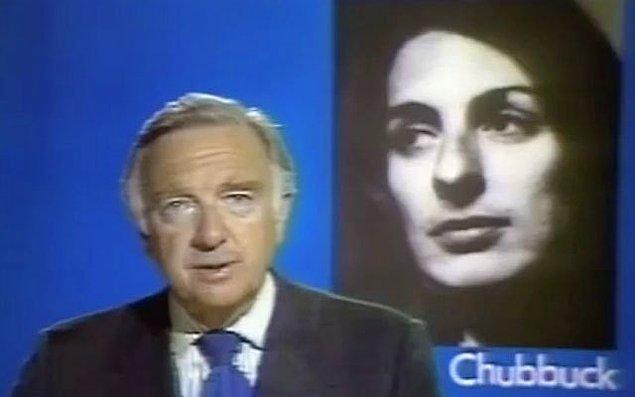 Christine intihar ettikten sonra elinde tuttuğu kağıtlarda, kendi intihar haberinin metni bulunur.