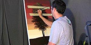 Farklı Çizim Tekniğiyle Her Mevsime Göre Ağacı Kademeli Olarak Çizen Ressam