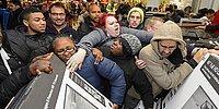 Bir Alışverişkoliğin İndirim Günlerinde Yaşadığı 15 Aşama