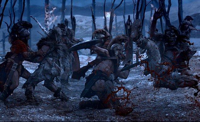 Spartaküs ve birlikte firar ettikleri yakın dostu Crixus kuvvetlerini bölmeye karar verdiler. Crixus, Roma topraklarında kalıp kuvvetlenmek ve sonrasında saldırmak istiyordu. Spartaküs'ün amacı ise Alpleri geçerek takipçileriyle birlikte özgürlüğüne kavuşmaktı.
