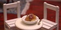 Minyatür Malzemelerle Patates Yemeği Hazırlayan Yetenekli Eller