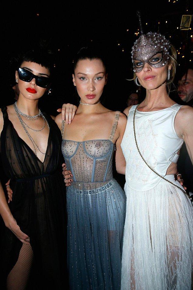 "Ardından bu ikili ""Dior'un Maskeli Balosu""na katıldı."