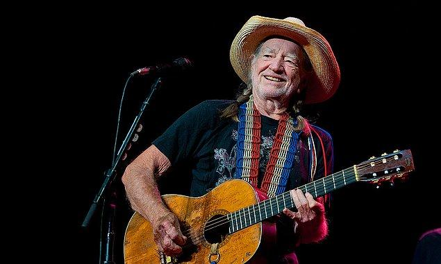 Willie Nelson - 83 yaşında