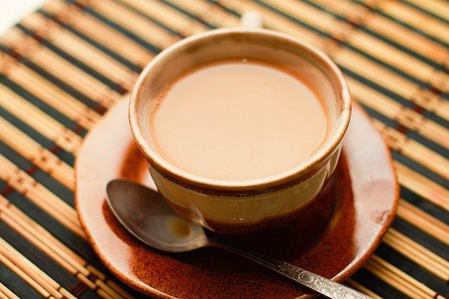 15. Çoğunlukla süt eklenerek şekersiz tüketilen çay