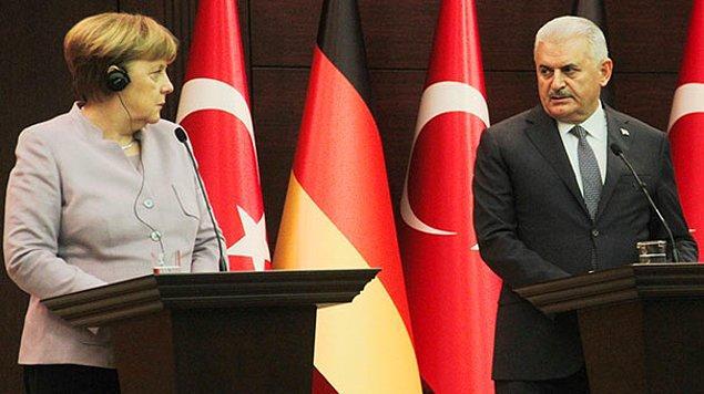 Merkel'den basın özgürlüğü ve güçler ayrılığı vurgusu