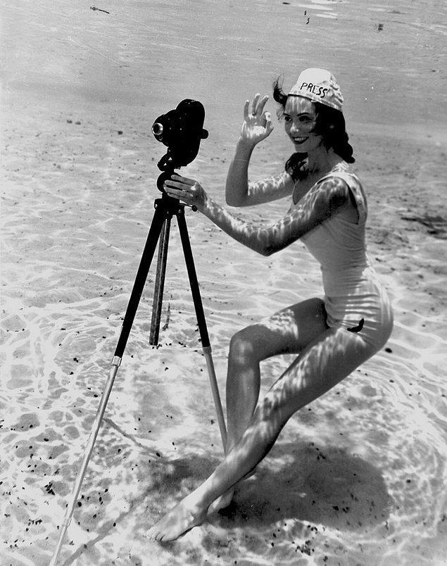 1. 'Pin-up' fotoğraflar 1930'ların sonlarına kadar beş para etmezdi.