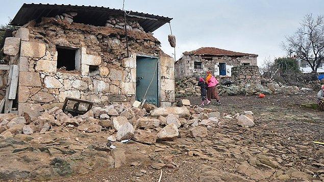 Dün Çanakkale'nin Ayvacık ilçesinde 5.3 büyüklüğünde deprem meydana gelmişti.