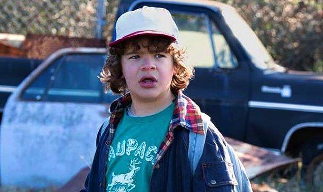Dustin'i canlandıran oyuncu gerçek hayatta da rolündeki gibi konuşuyormuş.