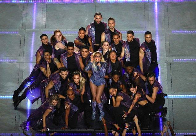 Çünkü Lady Gaga!!!