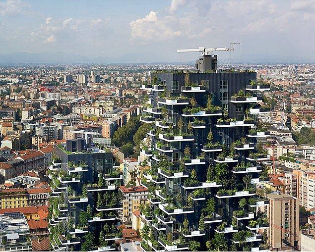 Aslında bunlar Stefano'nun tasarladığı ilk dikey orman kuleleri değil. Milan'da iki adet kule inşa edilmiş durumda.