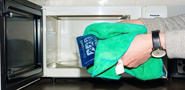 8. Buz jel torbalarını ısıtarak kullanın.