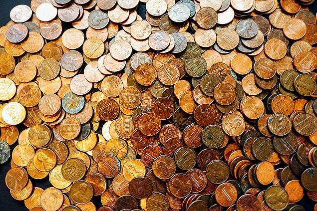 3. Hangi ülkenin para birimi Rupi'dir?
