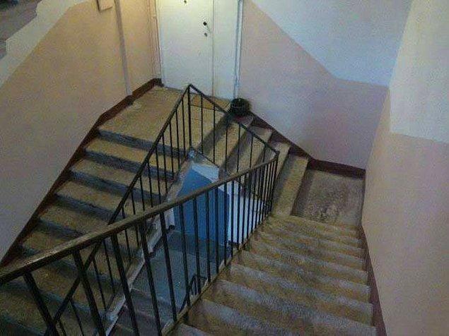 11. Inception'dan kesilen merdiven sahnesi