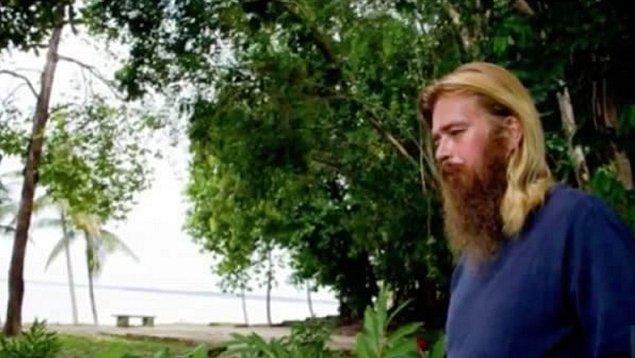 BBC Brezilya'nın yaptığı bir röportajda çöpten yiyecek ve kıyafet topladığını, gece de dışarıda uyuduğunu söyledi Anton.