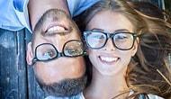 Sadece Gözleri Diğerleri Kadar İyi Görmeyen Sevgililerin Anlayabileceği 11 Durum