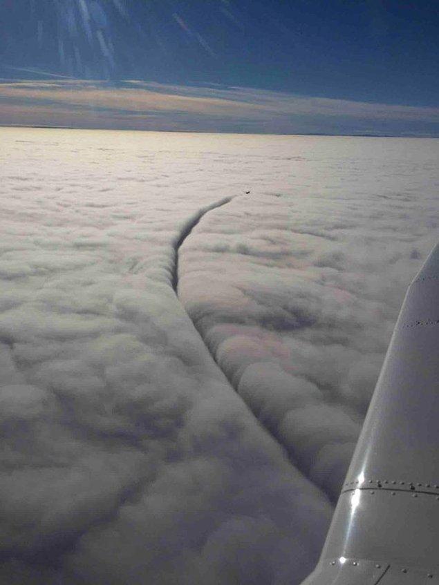 7. ''Her yer bulut Sabahattin. Gitmiyor gibi ama gidiyor.''
