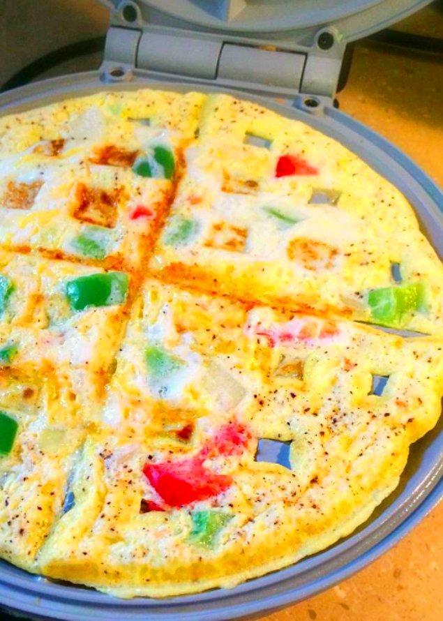 1. Omletin Waffle Hali