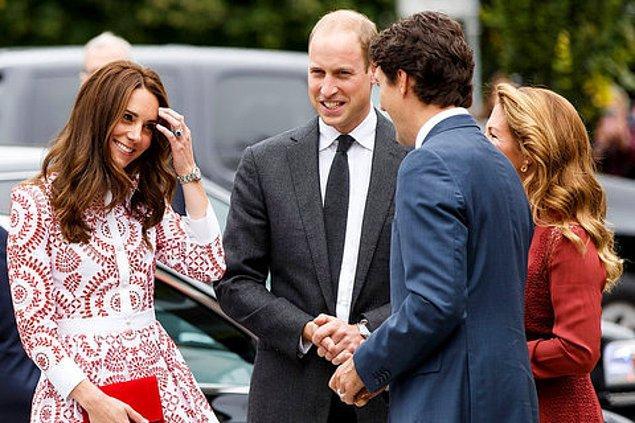 Trudeau'ya bakarken apışıp kalan, kızarıp bozarıp cilveli cilveli gülümseyen isimler listesinden en çok dikkat çeken Kate Middleton olmuştu.