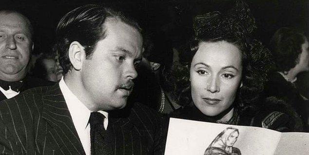 Tanıştıklarında ikisi de evli olmalarına rağmen yapımcı Orson Welles ve aktris Dolores del Rio bir ilişkiye başladı ve ikisi de evliliklerini bitirdi.