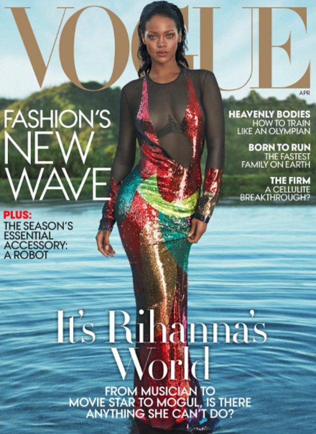18. Vogue dergisinin geçen yıl yayımlanan sayılarından biri için verdiği bu pozla da kesinlikle dudak uçuklatıcı...