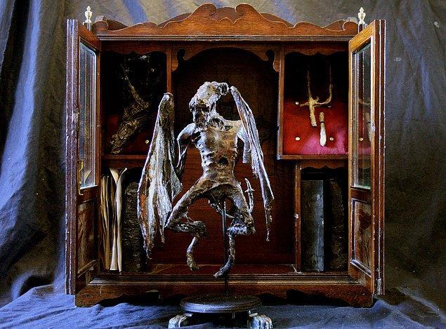 4. Bir başka vampir iskeleti