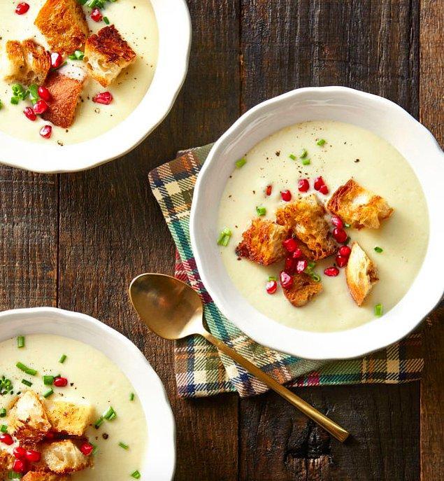 6. Bu çorba size karnabaharı sevdirecek.