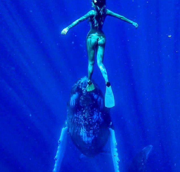 11. Sarah için denizin yeri ayrı tabii...