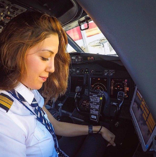 Hollanda doğumlu Erdoğan, 8 yıldır Türkiye'de yaşıyor ve Pegasus Havayolları'nda pilotluk yapıyor.