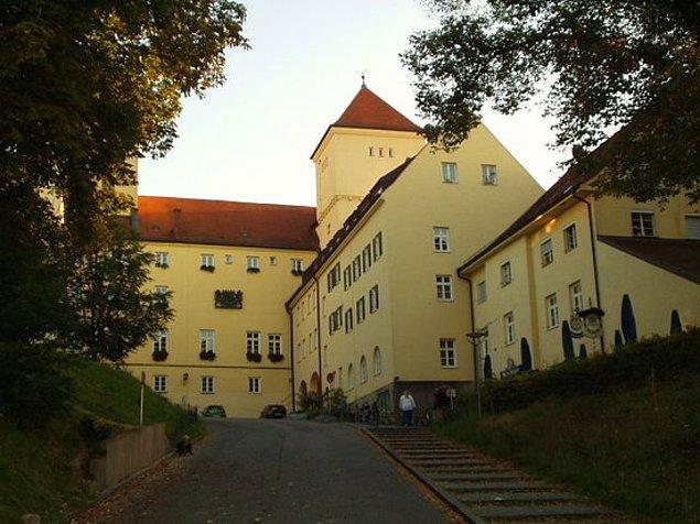 5. Almanya'da 1040 yılından bu yana aralıksız faaliyette olan bir bira fabrikası mevcut.