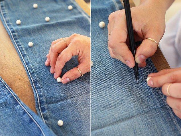 Önce incileri dizip yerlerini tükenmez kalemle işaretleyin.