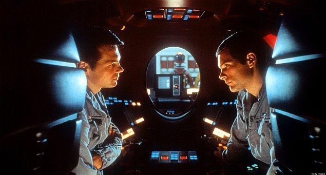 13. 2001: Uzay Yolu Macerası (1968) | IMDb   8.3