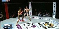 MMA Dövüşünde Dans Edip Şov Peşinde Koşunca Nakavt Olan Dövüşçü