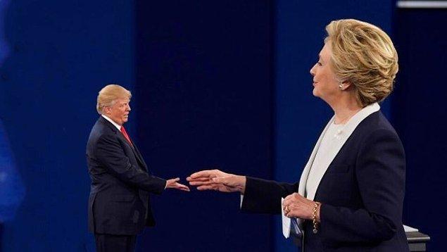 Mini Trump Hillary Clinton ile de tanıştı.