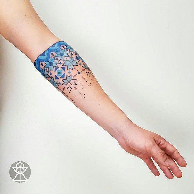 4. Anlayacağınız; kendisi esin kaynaklarını en verimli kullanan dövme sanatçılarından biri olmaya aday.
