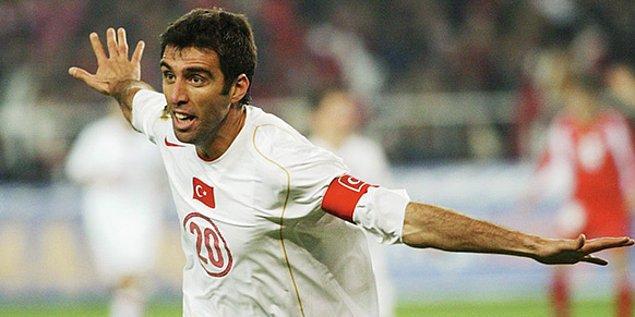 2002 Dünya Kupası'nda Güney Kore'ye 11. saniyede gol atan Hakan Şükür, Dünya Kupası tarihinin en erken golünü atmıştır.