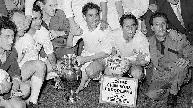 İlk Şampiyonlar Ligi şampiyonu olan takım Real Madrid'dir. (1956)