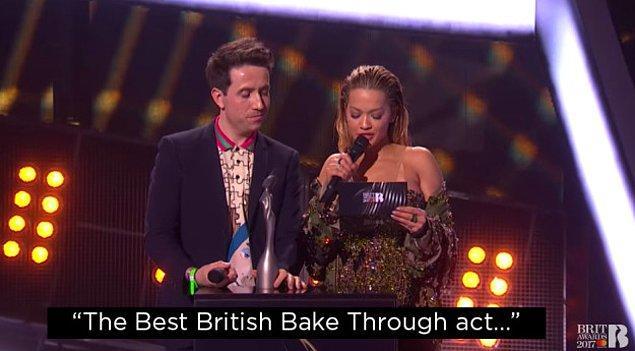 6. Ama Rita'nın ödülün adını yanlış okuması kadar garip değildi tabii ki.