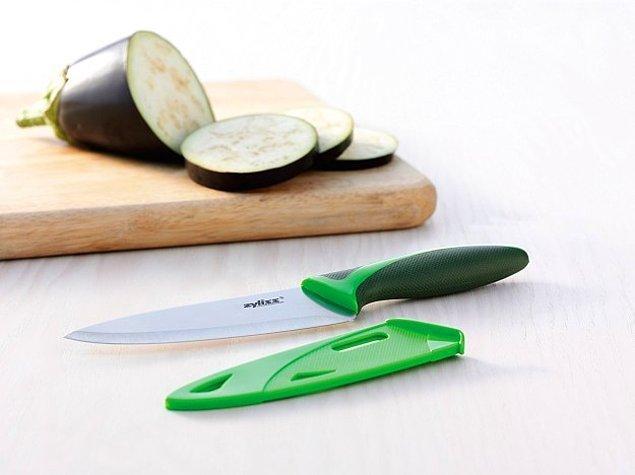 12. Şef bıçakları kadar pahalı değiller ve şef bıçağının yaptığı her işi bunlar da yapıyorlar. Üstüne daha küçük ve kullanışlılar.